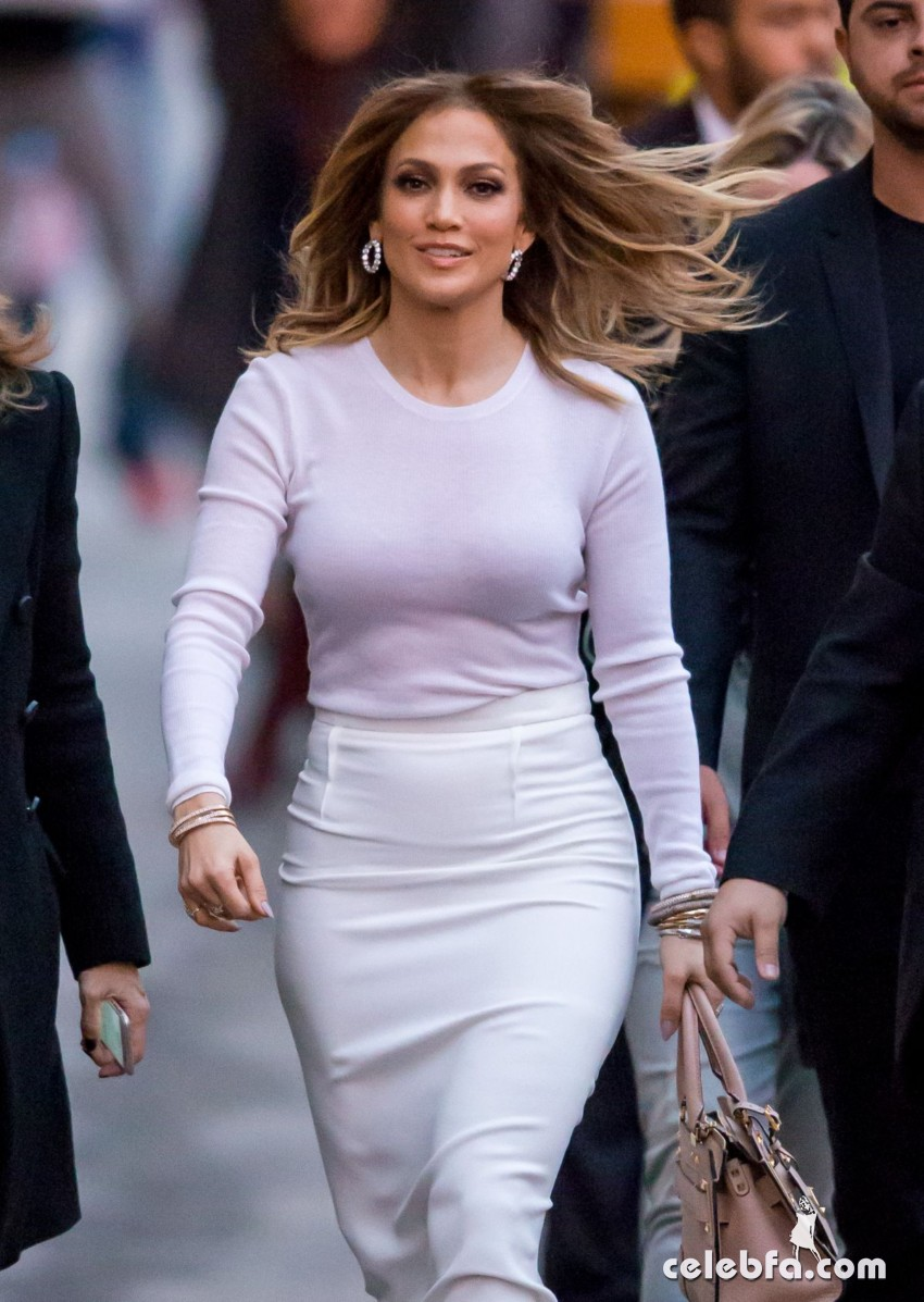jennifer-lopez-at-kimmy-kimmel-live-in-hollywood (1)