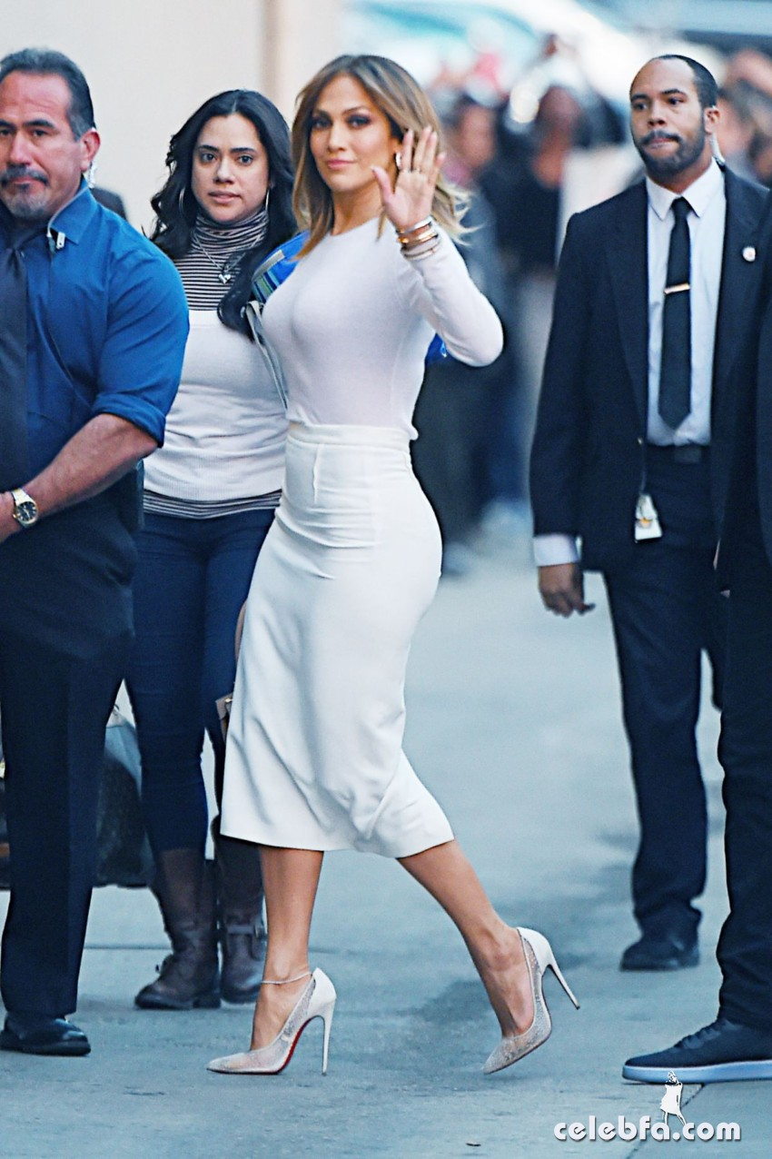 jennifer-lopez-at-kimmy-kimmel-live-in-hollywood (4)