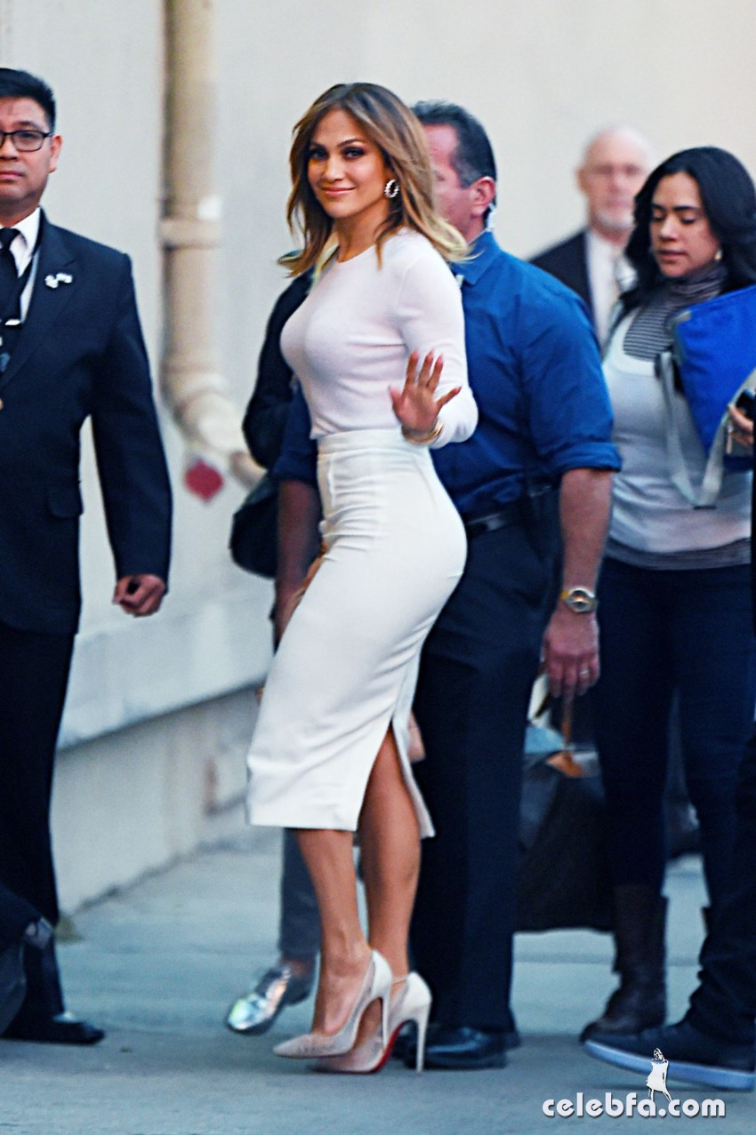 jennifer-lopez-at-kimmy-kimmel-live-in-hollywood (5)