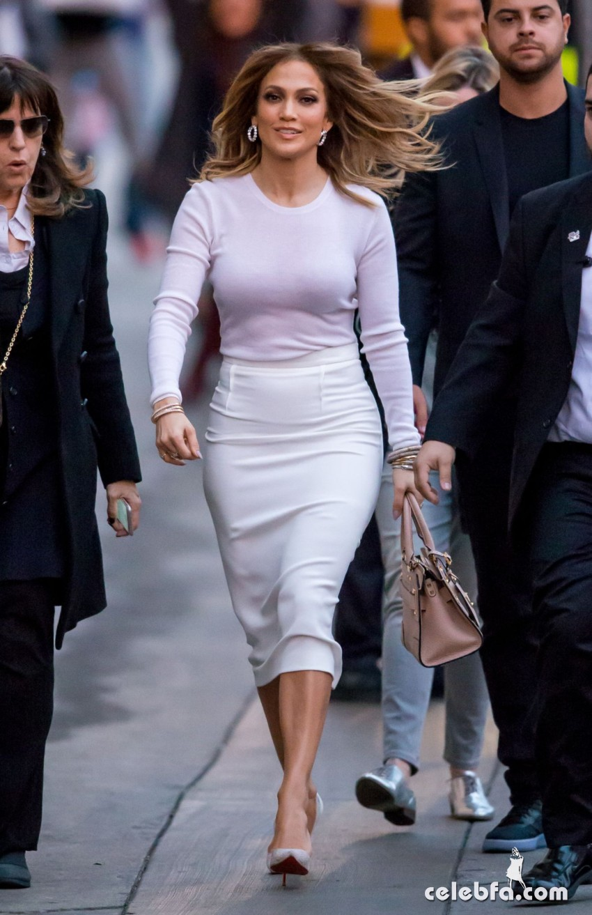 jennifer-lopez-at-kimmy-kimmel-live-in-hollywood (6)