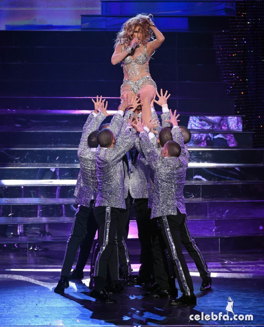Jennifer_Lopez_-_On_stage_at_Opening_Night_of_Her_All_I_Have_Residency_in_Las_Vegas (3)