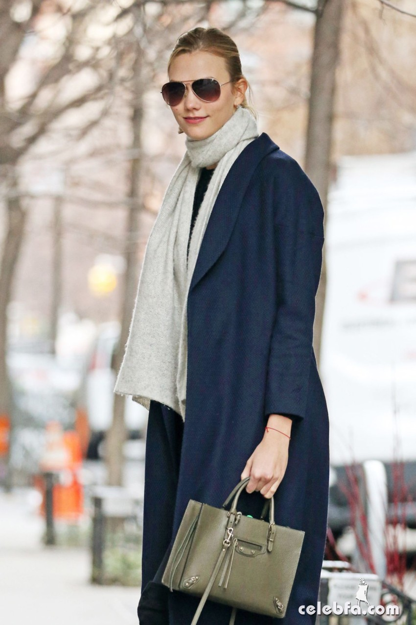 karlie-kloss-out-and-about-in-new-york (2)