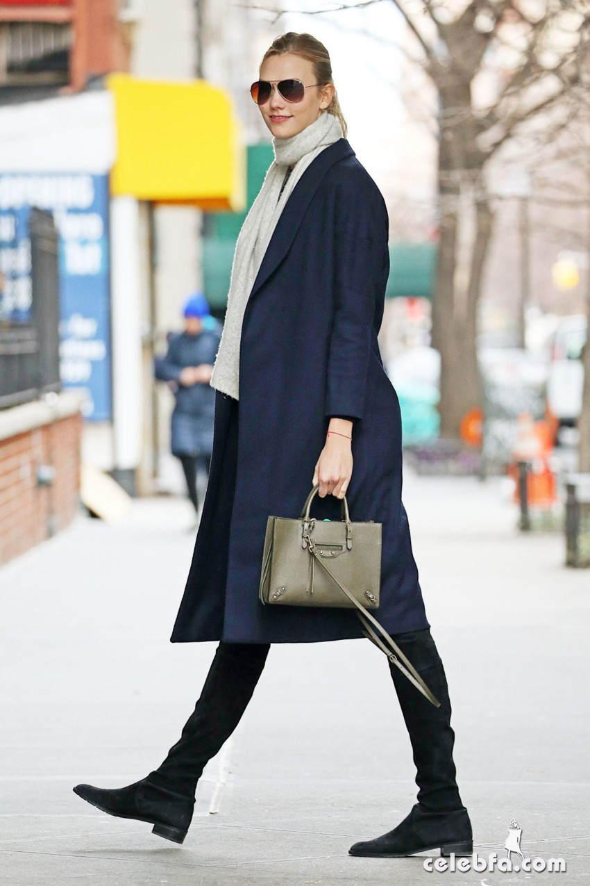 karlie-kloss-out-and-about-in-new-york (3)