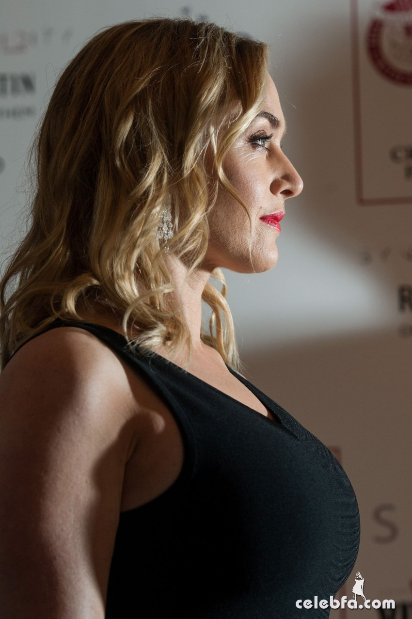 kate-winslet-at-london-critic-s-circle-film-awards (4)