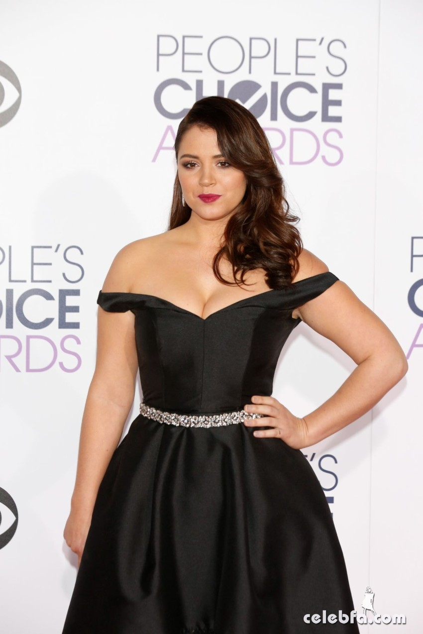 kether-donohue-at-2016-people-s-choice-awards-in-los-angeles (2)
