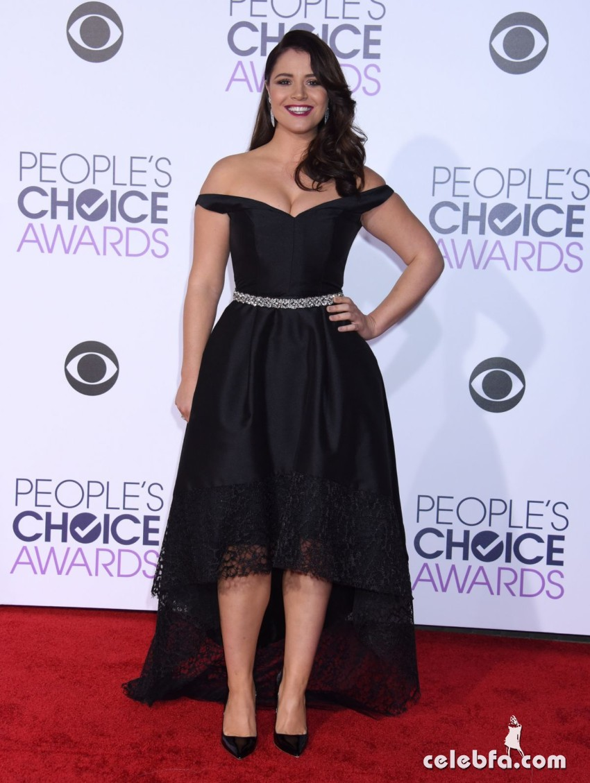 kether-donohue-at-2016-people-s-choice-awards-in-los-angeles (3)