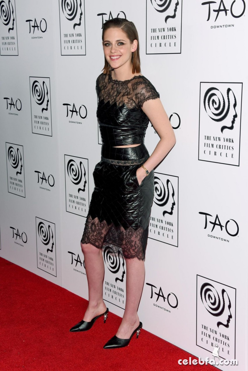 kristen-stewart-at-2015-new-york-film-critics-circle-awards (1)
