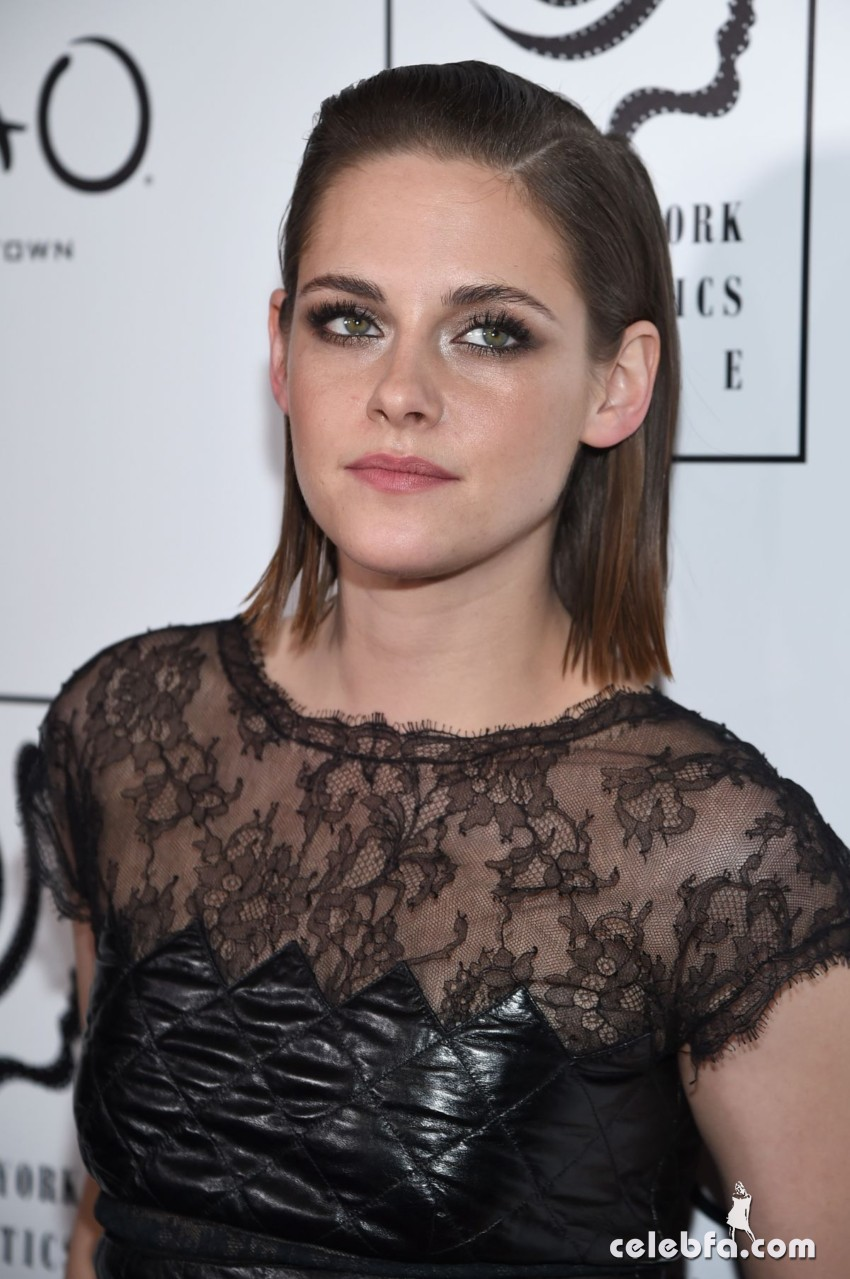 kristen-stewart-at-2015-new-york-film-critics-circle-awards (4)