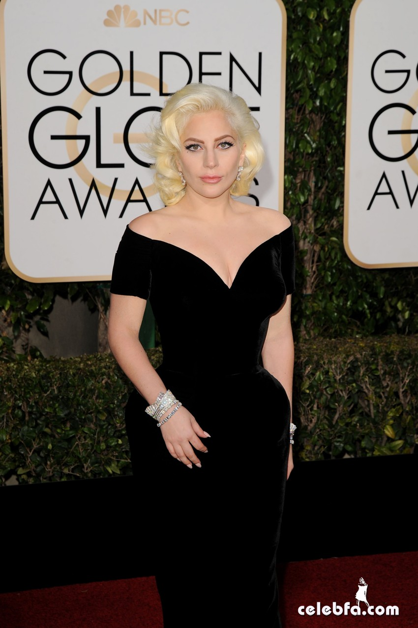 Lady Gaga attends 73rd Annual Golden Globe Awards (6)