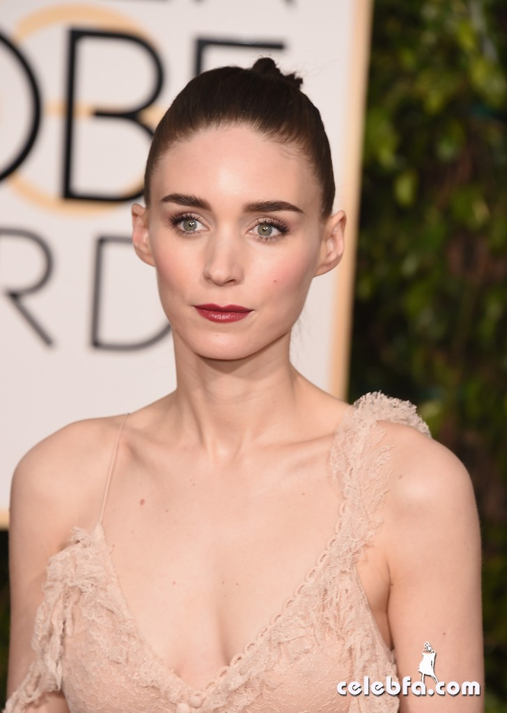 Rooney_Mara_73rd_Annual_Golden_Globe_Awards_xzuay-IRdvcx