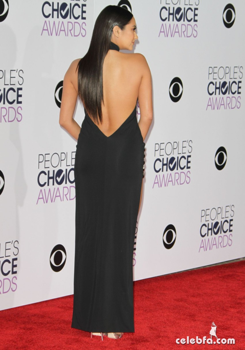 shay-mitchell-at-2016-people-s-choice-awards-in-los-angeles (4)