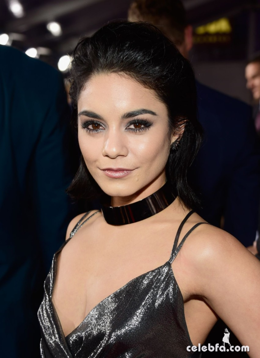 vanessa-hudgens-at-2016-people-s-choice-awards-in-los-angeles-01-06-2016_4