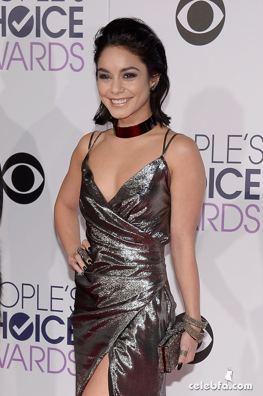 vanessa-hudgens-at-2016-people-s-choice-awards-in-los-angeles (6)