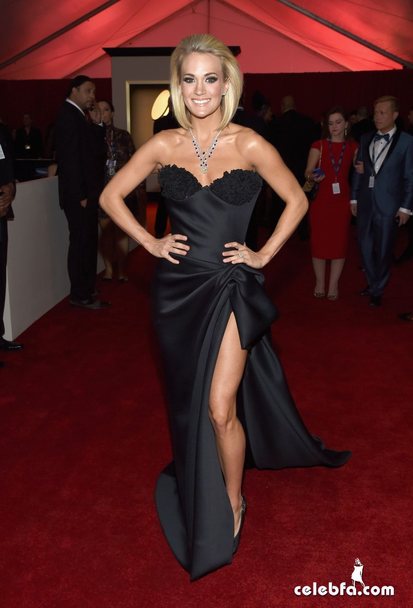 carrie-underwood-at-grammy-awards-2016-in-los-angeles-02-15-2016_3