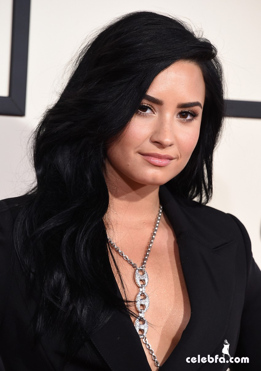 LOS ANGELES, CA - FEBRUARY 15: Recording artist Demi Lovato attends The 58th GRAMMY Awards at Staples Center on February 15, 2016 in Los Angeles, California. (Photo by Steve Granitz/WireImage)