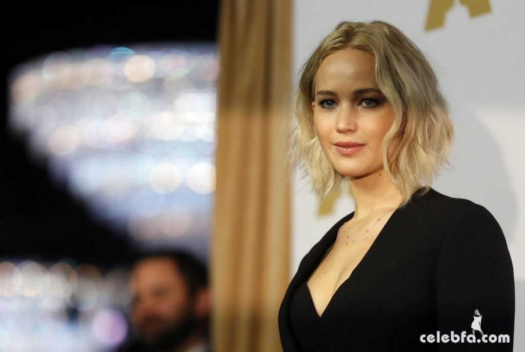 jennifer-lawrence-at-academy-awards-nominee-luncheon-in-beverly-hills (2)