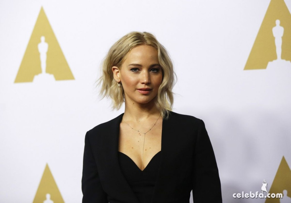 jennifer-lawrence-at-academy-awards-nominee-luncheon-in-beverly-hills (3)