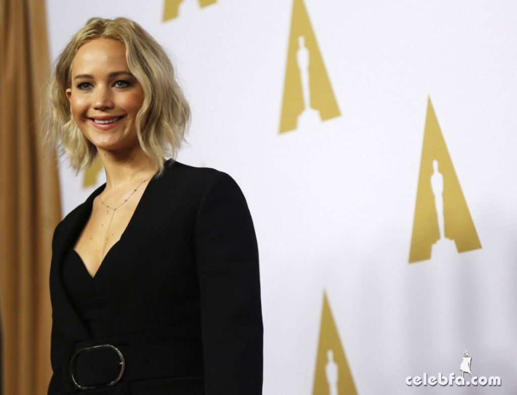jennifer-lawrence-at-academy-awards-nominee-luncheon-in-beverly-hills (4)