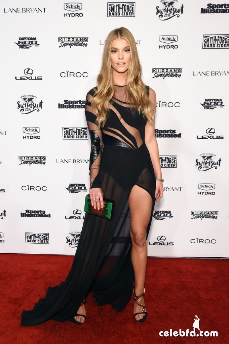 nina-agdal-at-sports-illustrated-swimsuit-2016-nyc-vip-press-event (1)