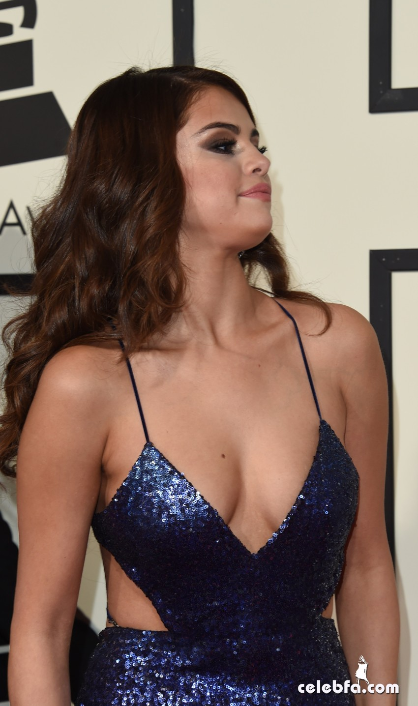 Selena Gomez - The 58th Annual GRAMMY Awards (2)