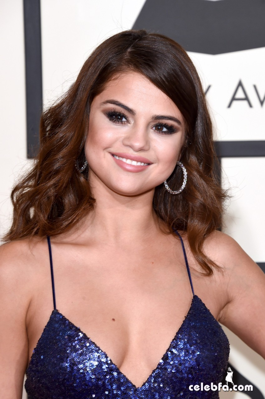 Selena Gomez - The 58th Annual GRAMMY Awards (4)