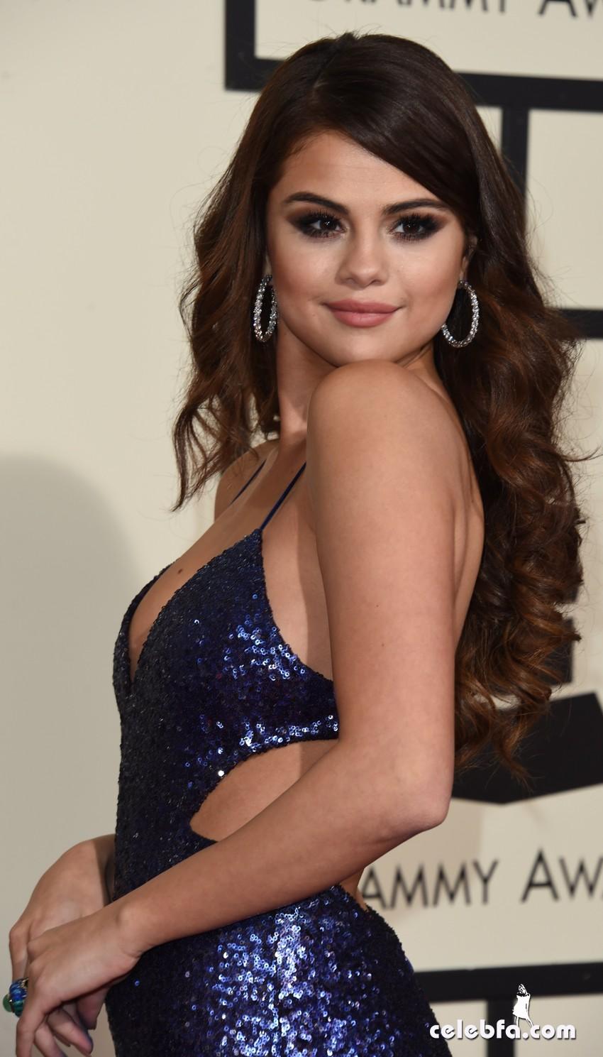Selena Gomez - The 58th Annual GRAMMY Awards (6)