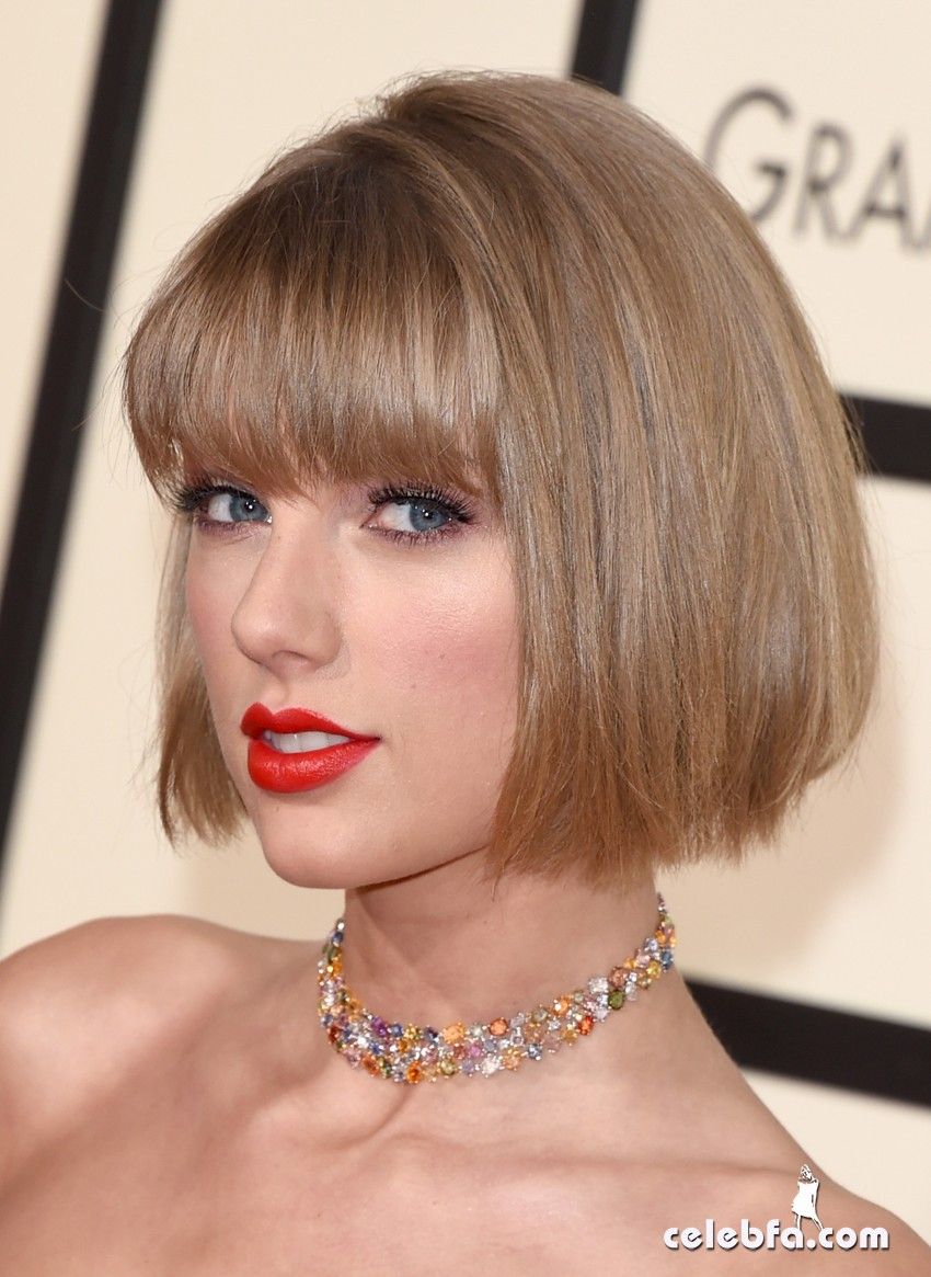 Taylor Swift - The 58th Annual GRAMMY Awards (2)