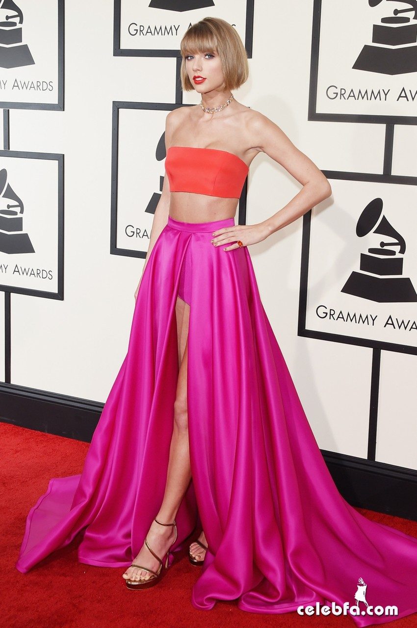 Taylor Swift - The 58th Annual GRAMMY Awards (5)