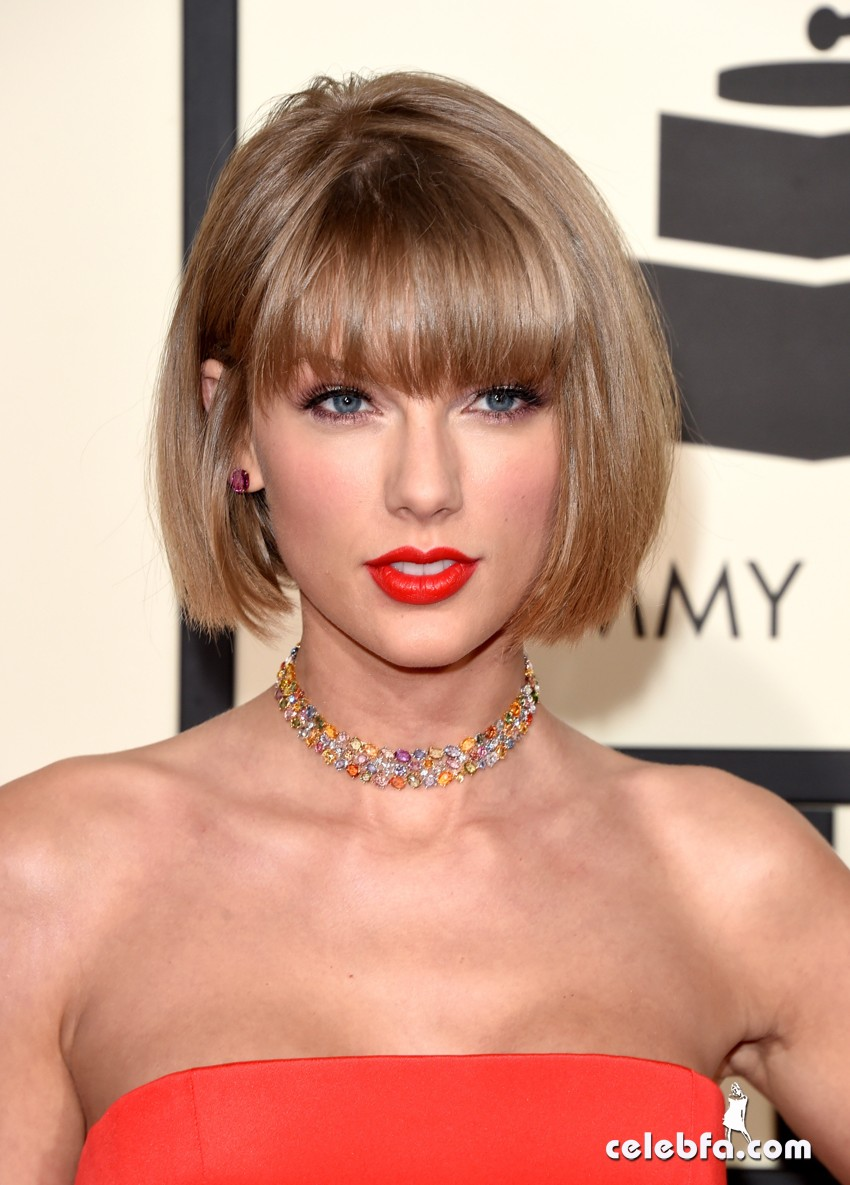 Taylor Swift - The 58th Annual GRAMMY Awards (6)