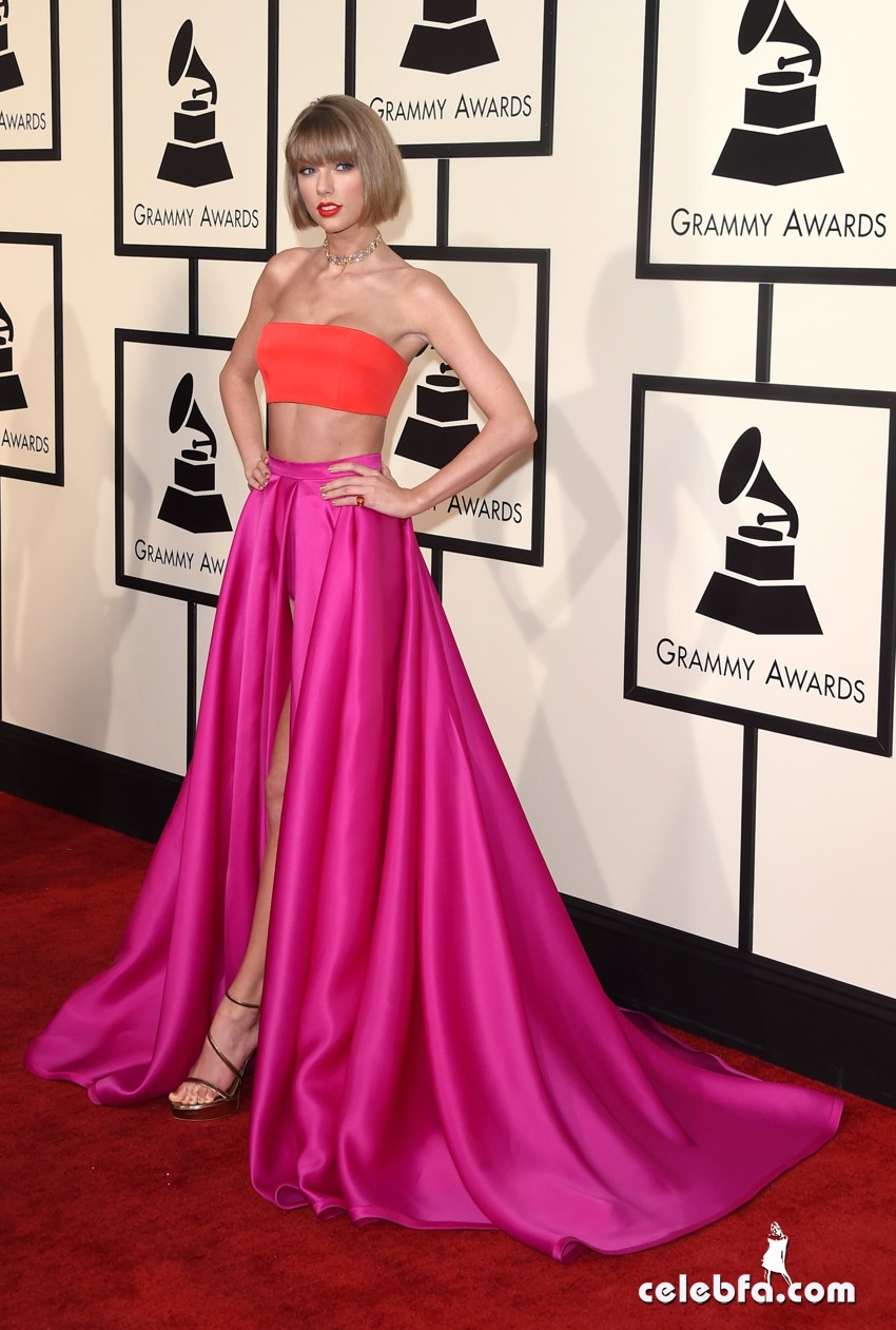 Taylor Swift - The 58th Annual GRAMMY Awards (7)
