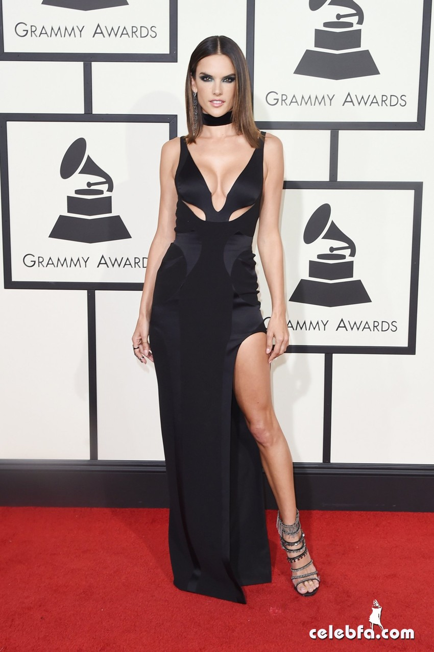 the_58th_grammy_awards_alessandra_ambrosio1
