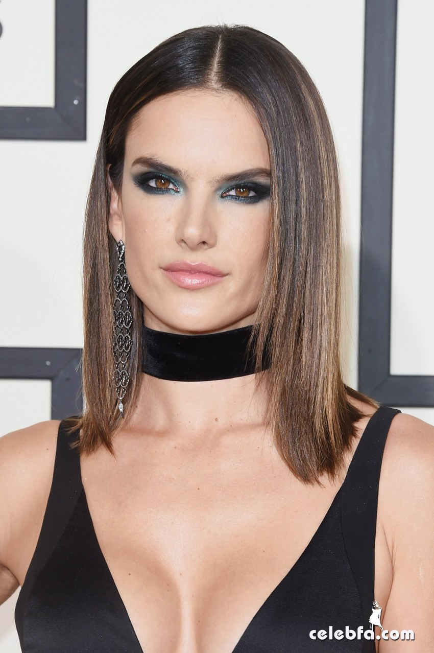 the_58th_grammy_awards_alessandra_ambrosio2