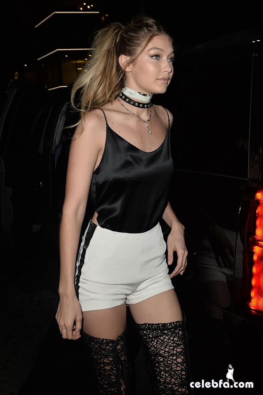 kendall-jenner-and-gigi-hadid-at-gigi-hadid-s-21st-birthday-party-in-west-hollywood (7)