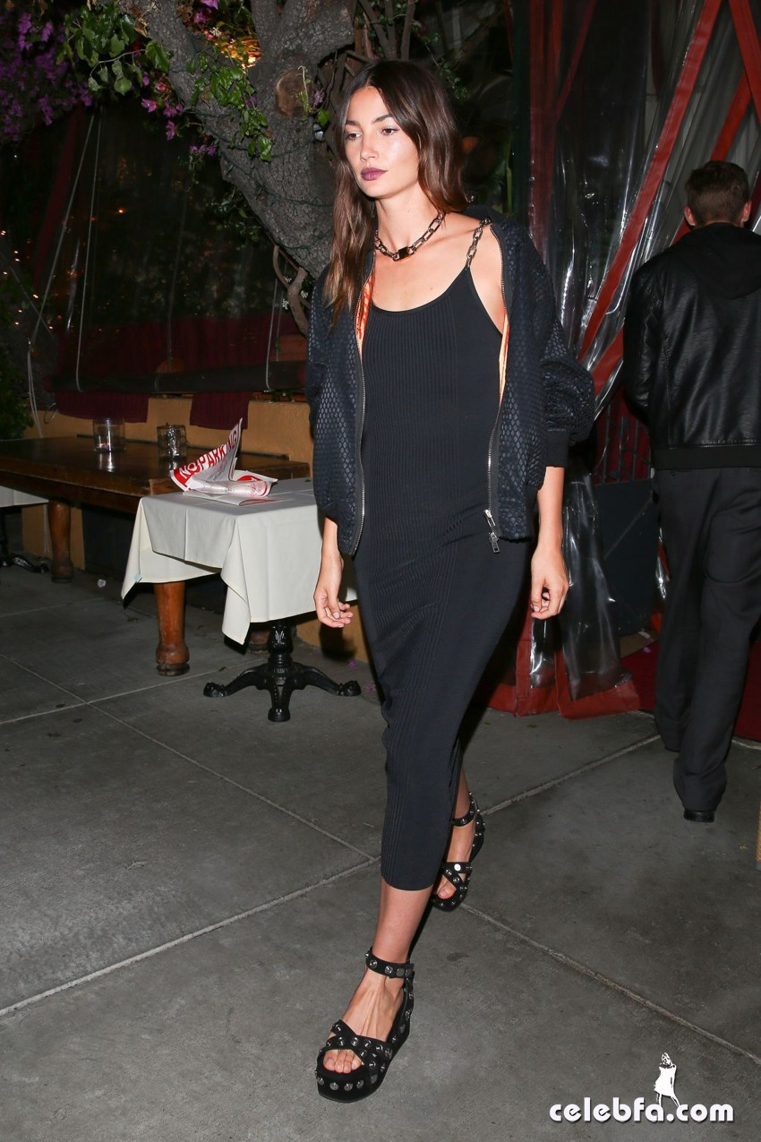 lily-aldridge-at-gigi-hadid-s-21st-birthday-party-in-west-hollywood (5)