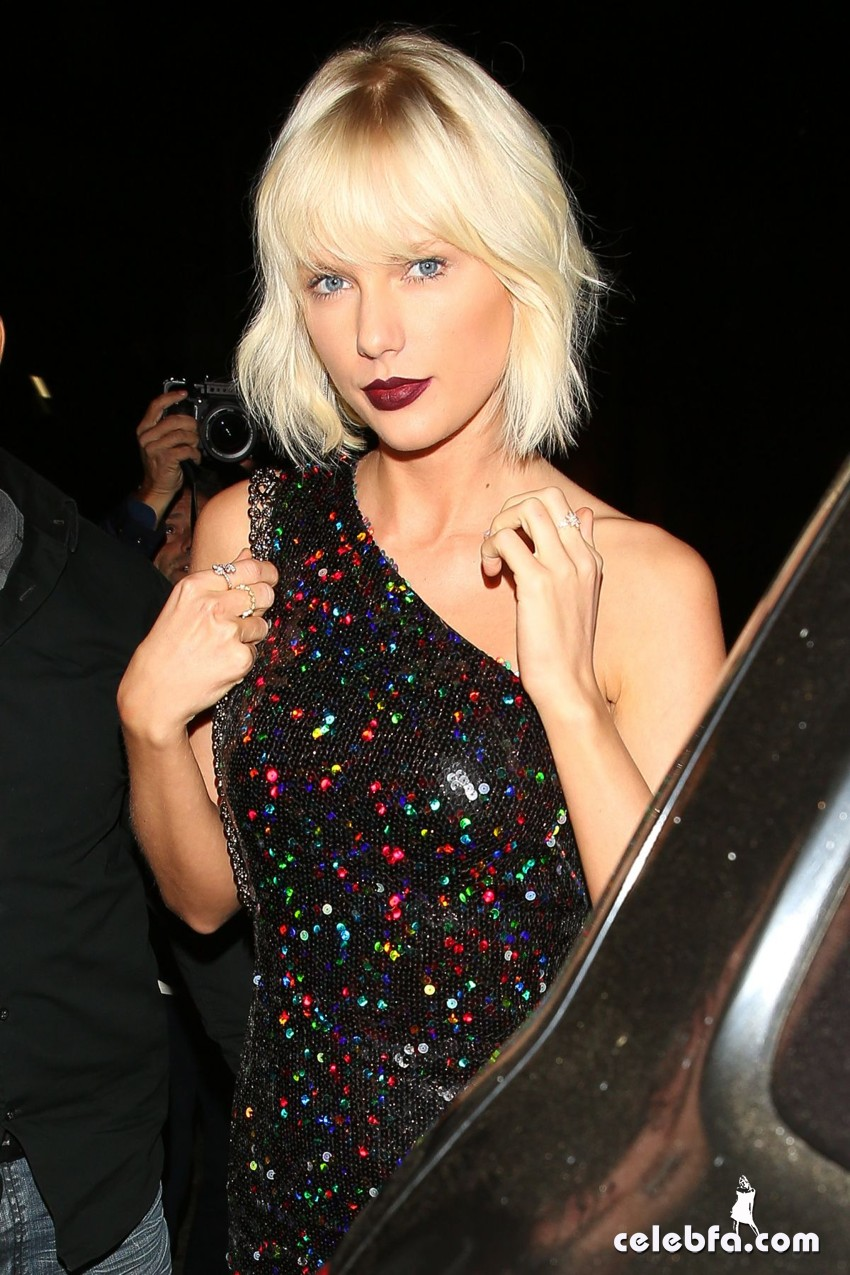 taylor-swift-at-gigi-hadid-s-21st-birthday-party-in-west-hollywood (5)