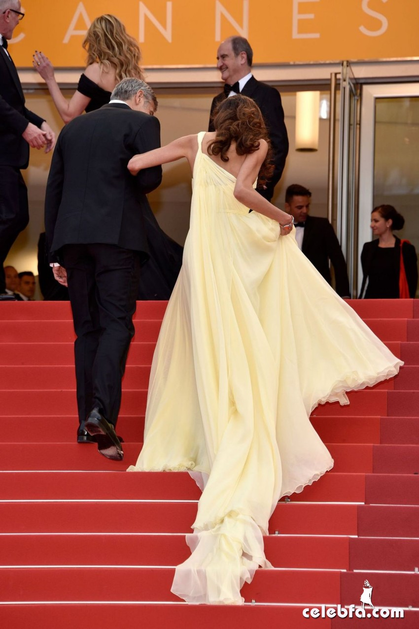 amal-clooney-premiere-at-69th-annual-cannes-film-festival (4)
