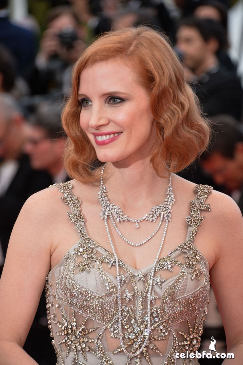jessica-chastain-at-premiere-at-69th-annual-cannes-film-festival (1)