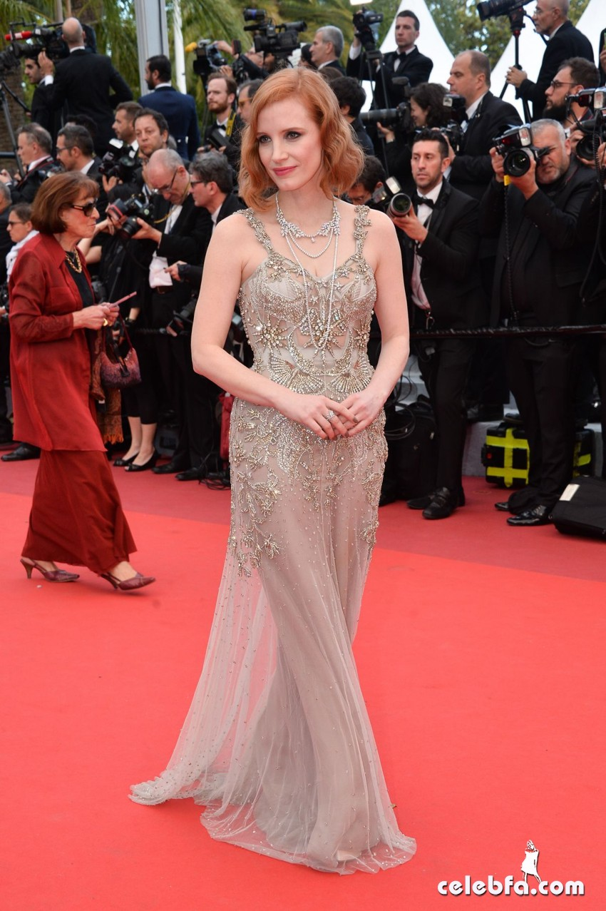 jessica-chastain-at-premiere-at-69th-annual-cannes-film-festival (2)