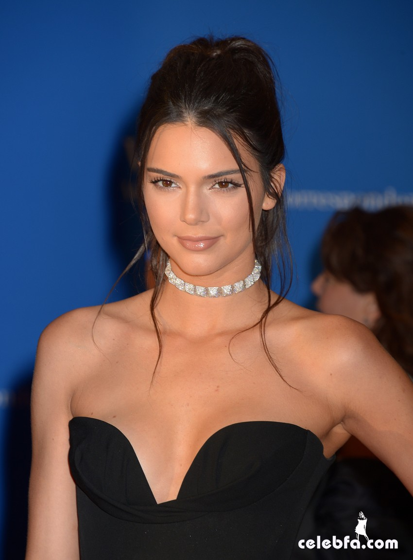 Kendall_Jenner_White_House_Correspondents (1)