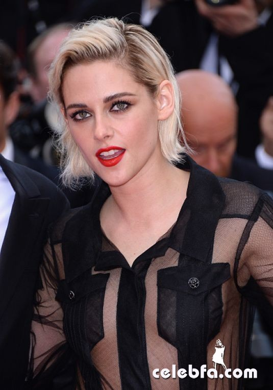 kristen-stewart-at-cafe-society-premiere-and-69th-cannes-film-festival (1)