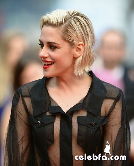 kristen-stewart-at-cafe-society-premiere-and-69th-cannes-film-festival (2)