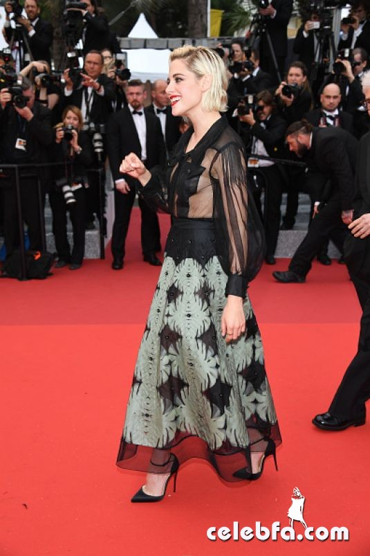 kristen-stewart-at-cafe-society-premiere-and-69th-cannes-film-festival (3)