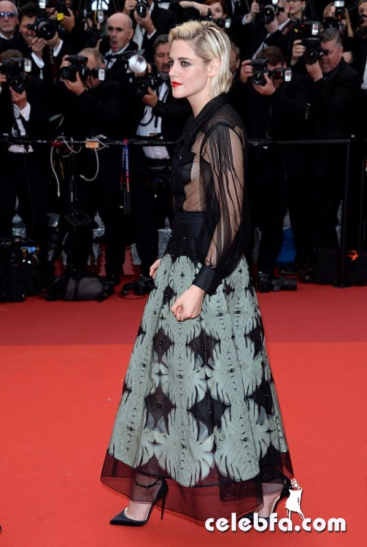 kristen-stewart-at-cafe-society-premiere-and-69th-cannes-film-festival (4)