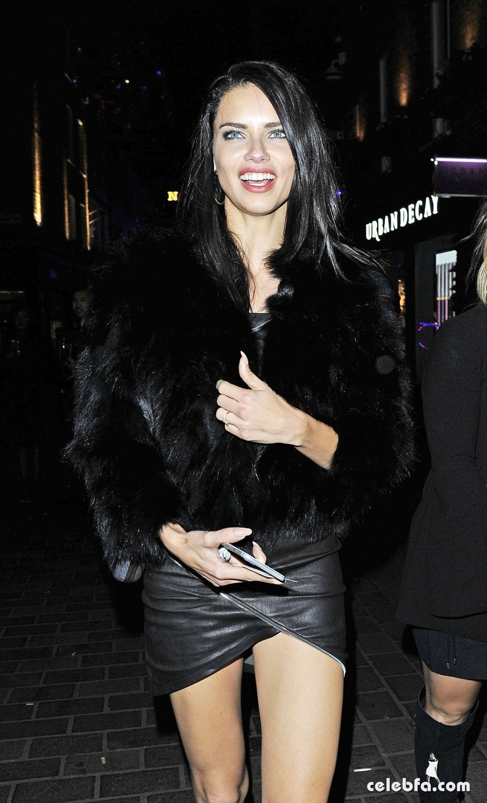 adriana-lima-night-out-in-london-1