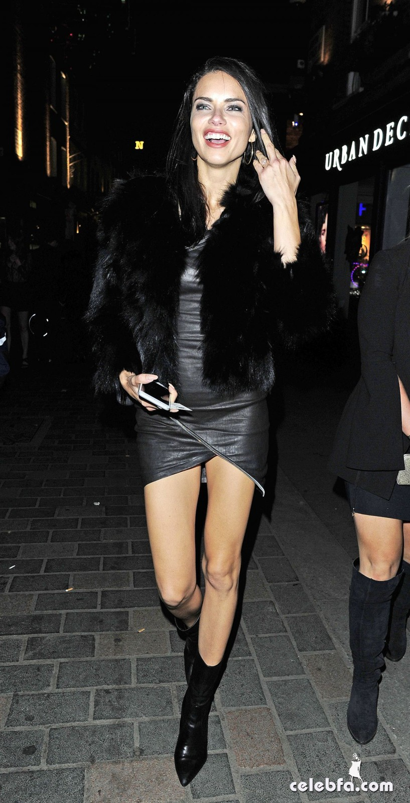 adriana-lima-night-out-in-london-2