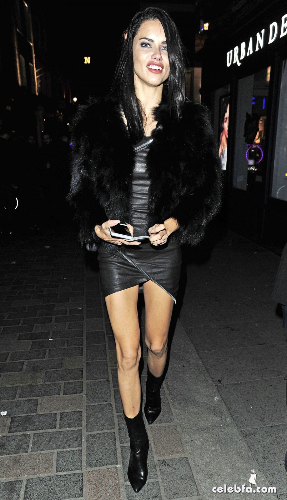 adriana-lima-night-out-in-london-5