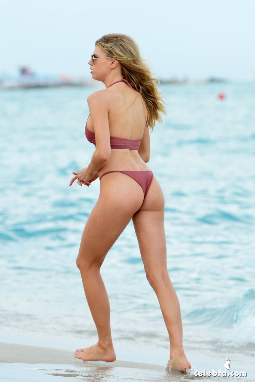 charlotte-mckinney-bikini-3