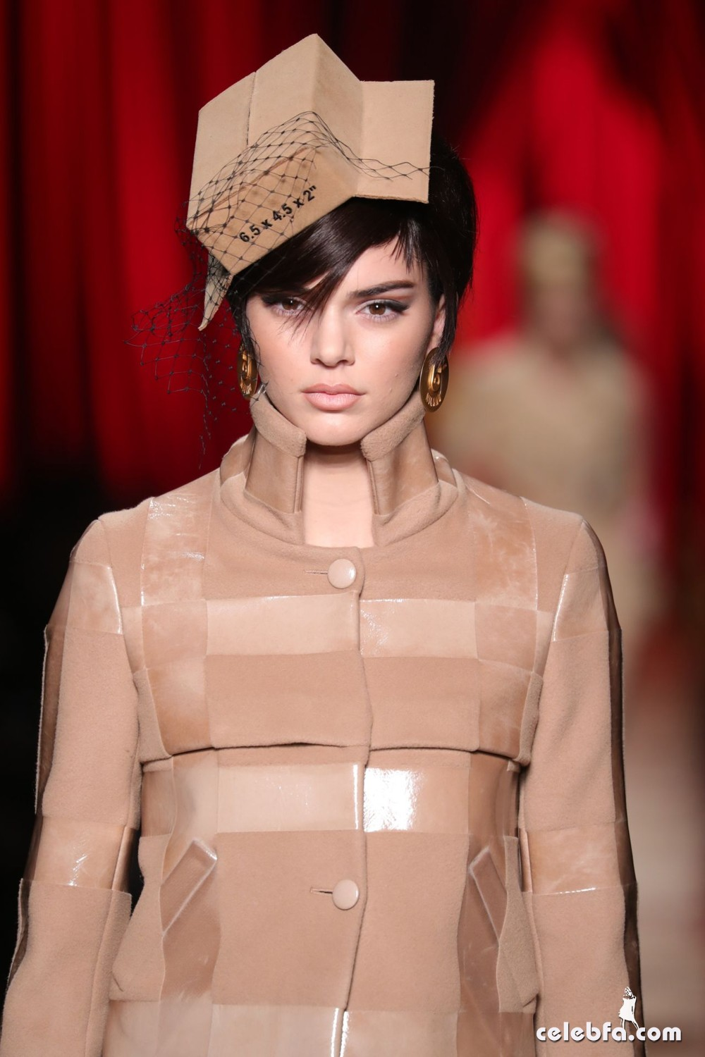kendall-jenner-hit-the-catwalk-for-moschino-milan-fashion-week-1