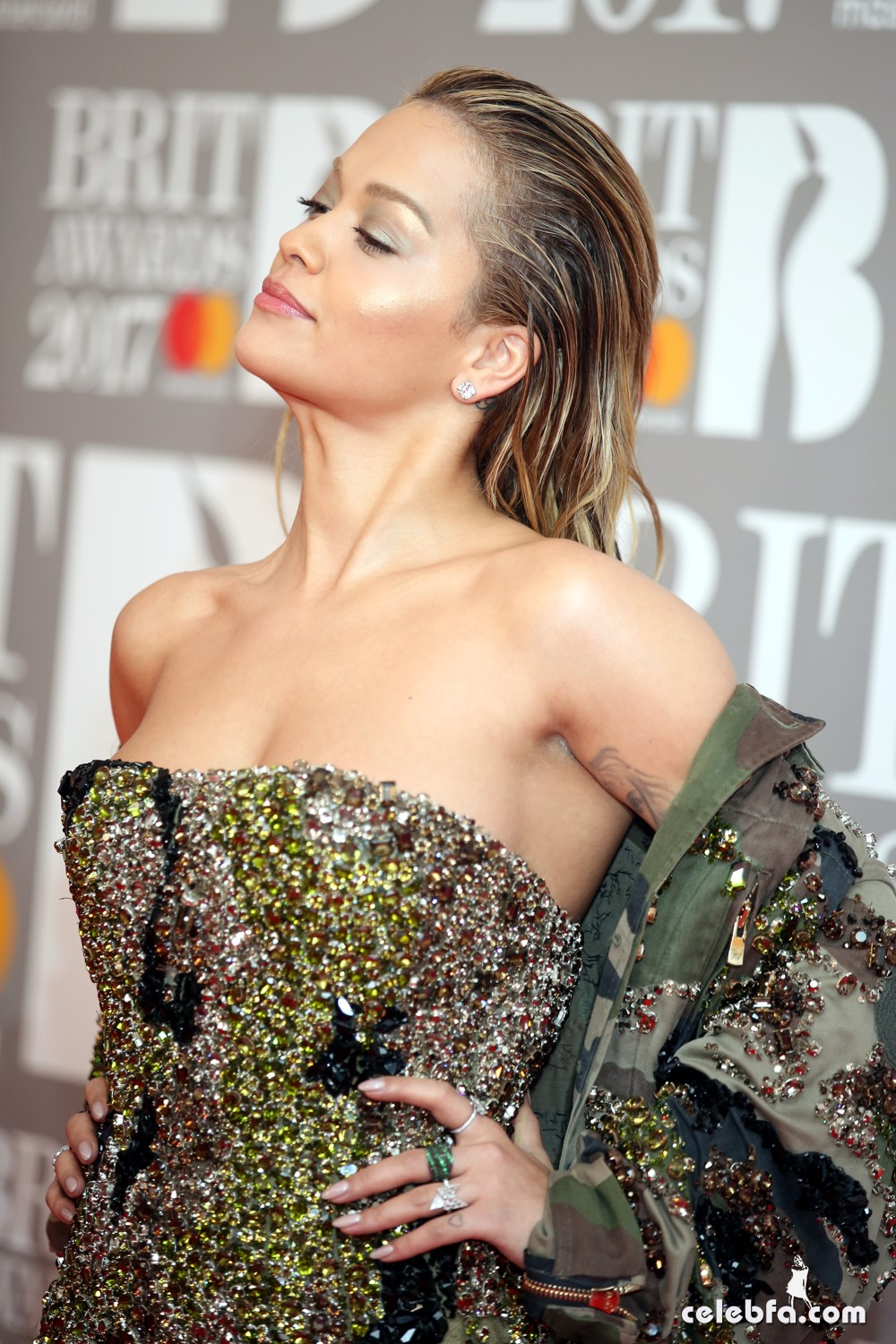 rita-ora-the-brit-awards-5