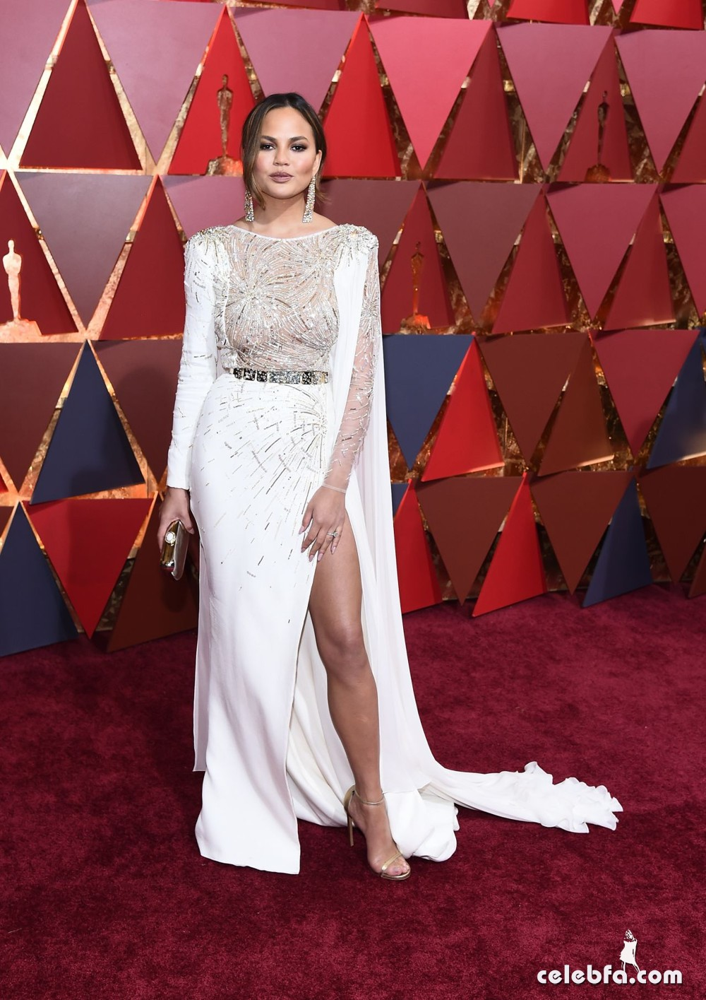 chrissy-teigen-oscars-2017-red-carpet-7